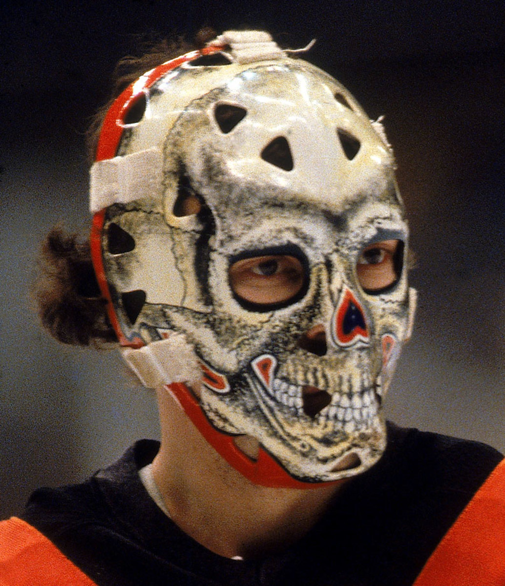 1980-81-Gary-Bromley-goalie-mask.jpg