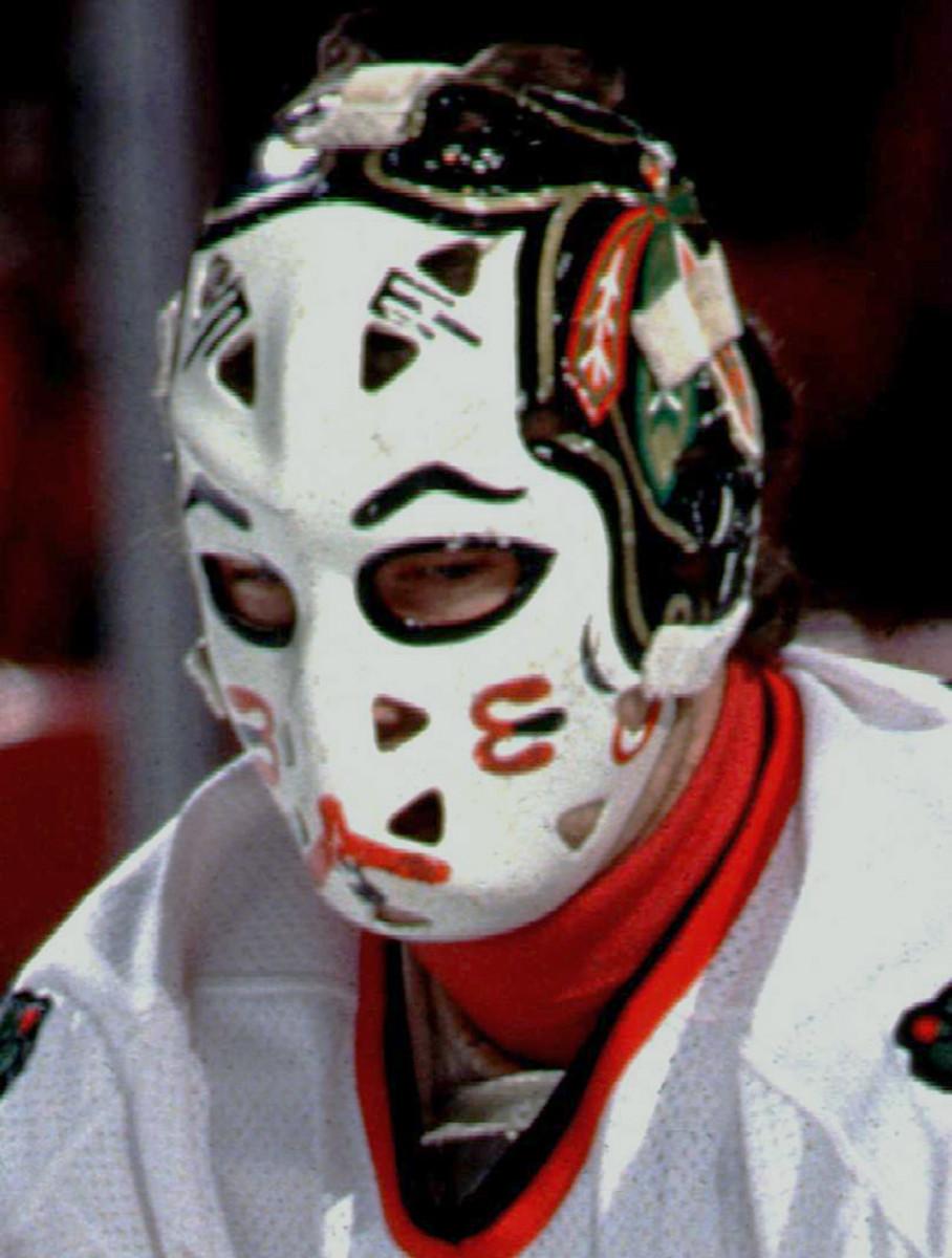 1980s-Murray-Bannerman-goalie-mask.jpg