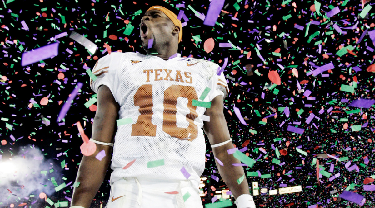 vince-young-texas-rose-bowl.jpg