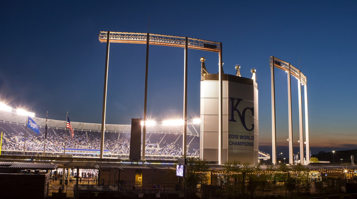 6-kauffman-ballpark-food.jpeg