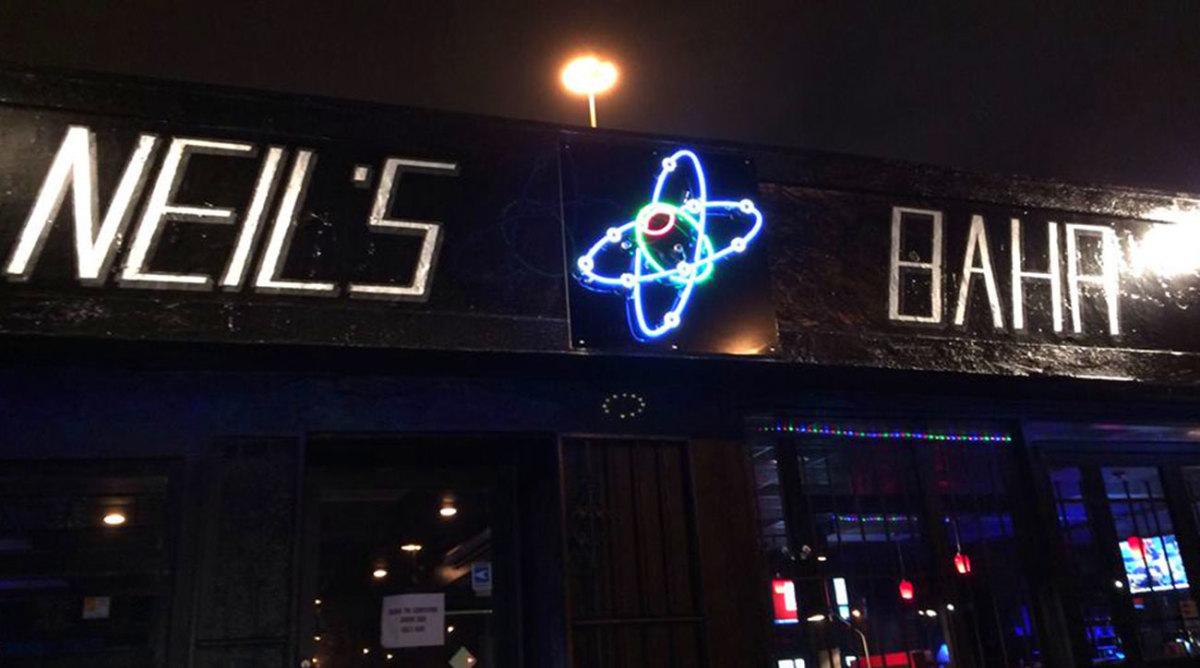 neils-bar.jpg