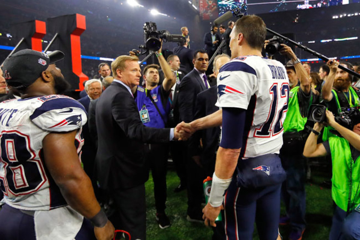 Roger Goodell and Tom Brady shake hands after Super Bowl 51.