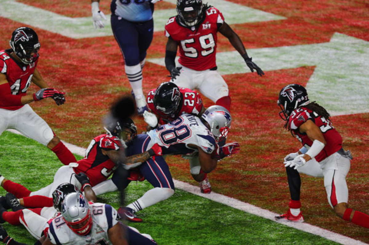 James White scores the winning touchdown in overtime of Super Bowl 51.