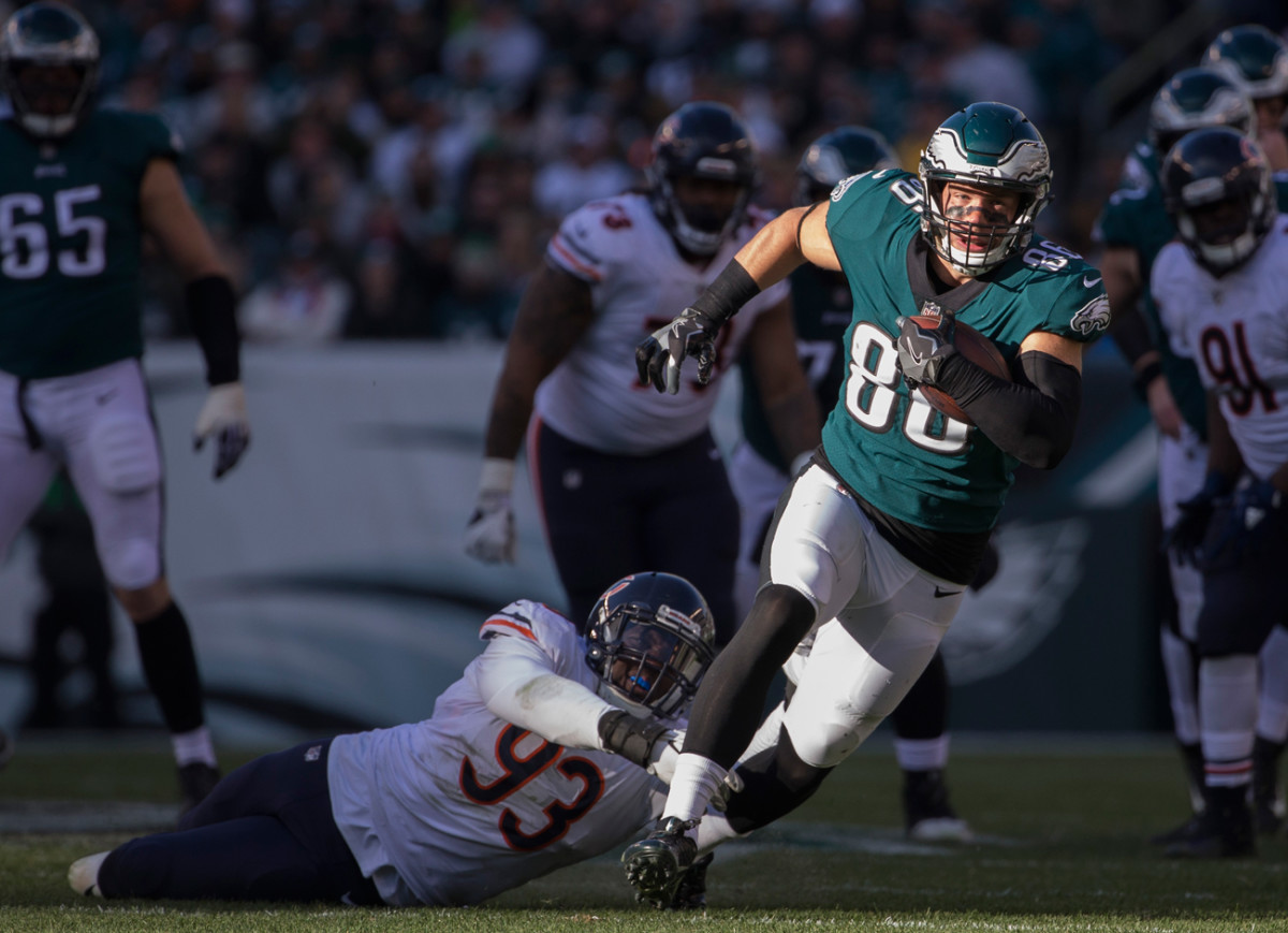 Zach had the Eagles' first 100-receiving-yard game against the Bears.