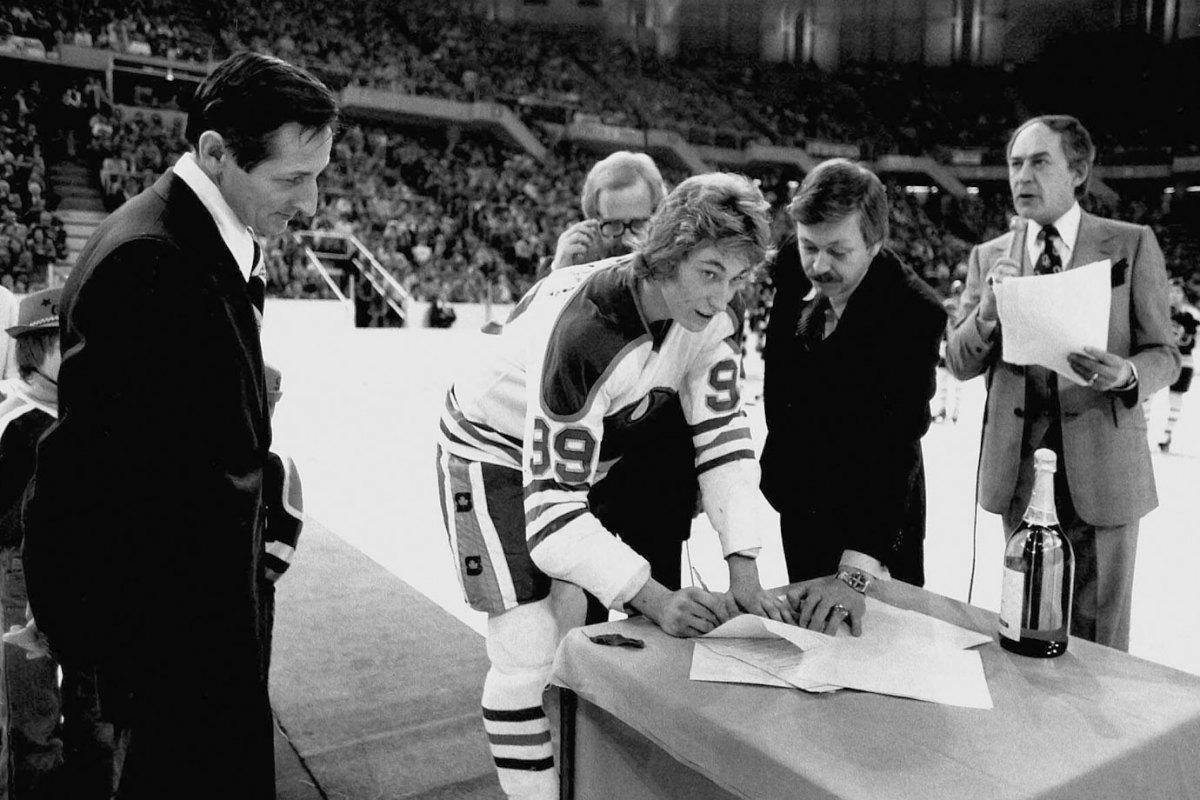 1979-Wayne-Gretzky-21-year-contract.jpg