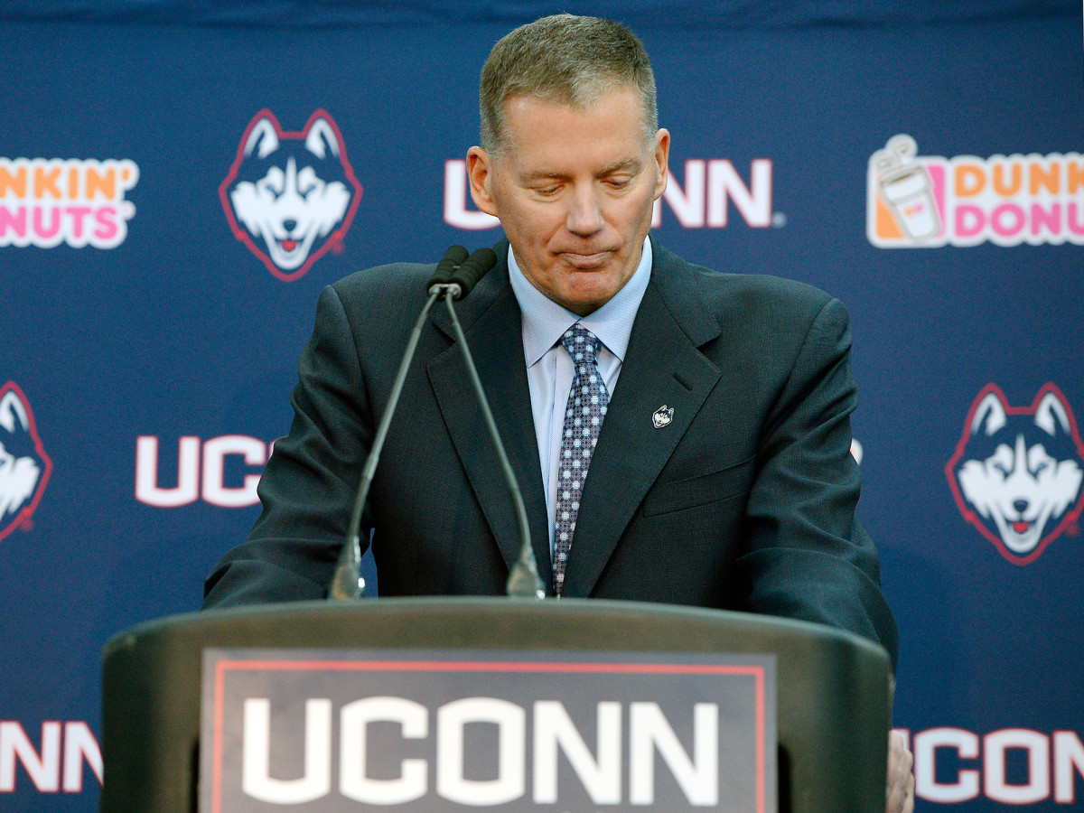randy-edsall-uconn-college-football-national-signing-day-early-period.jpg