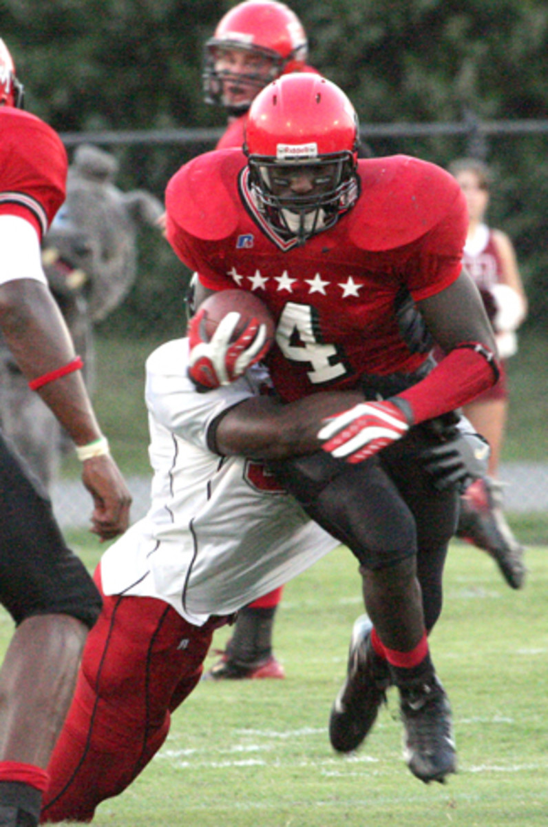 Blount rushed for 2,292 yards in two seasons at East Mississippi.