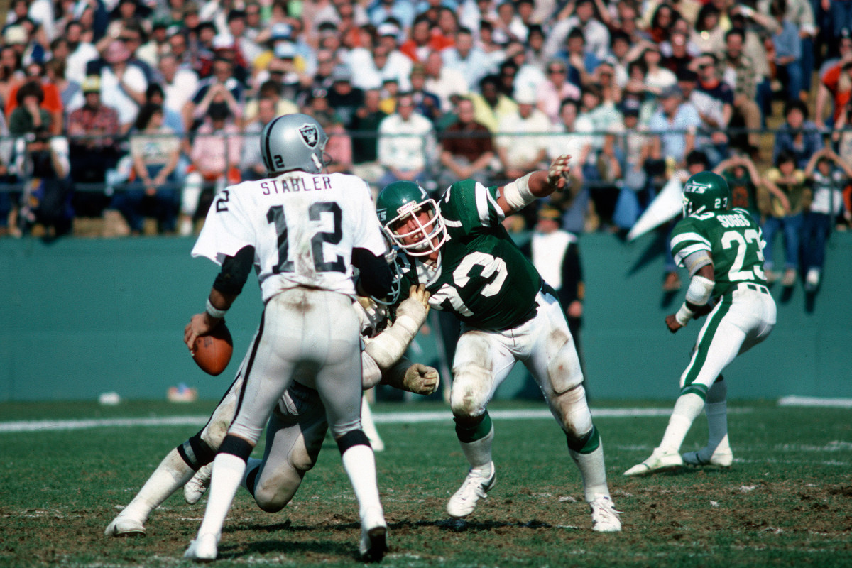 Klecko was one of a number of non-Hall of Famers recognized in this draft.