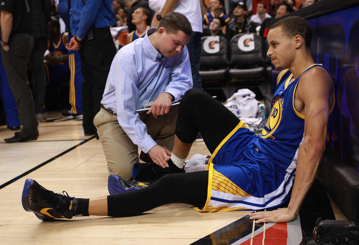 stephen-curry-ankle-injury.jpg
