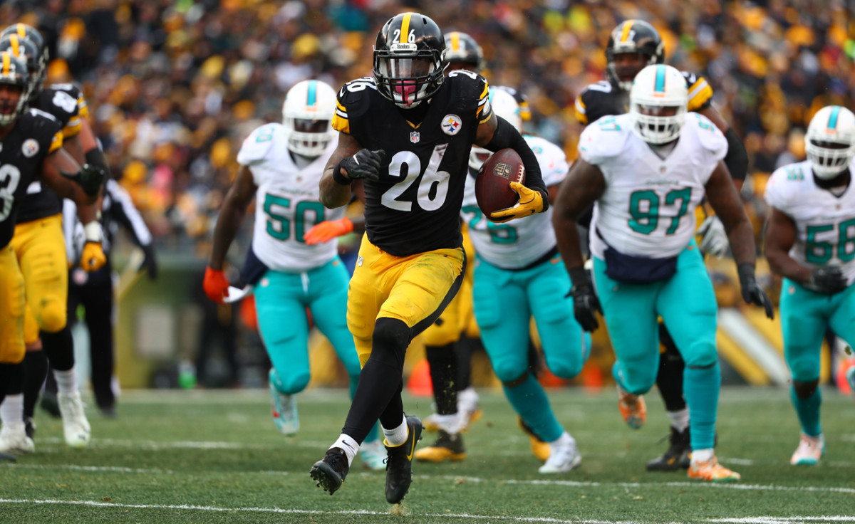 leveon-bell-steelers-dolphins-playoffs-724.jpg