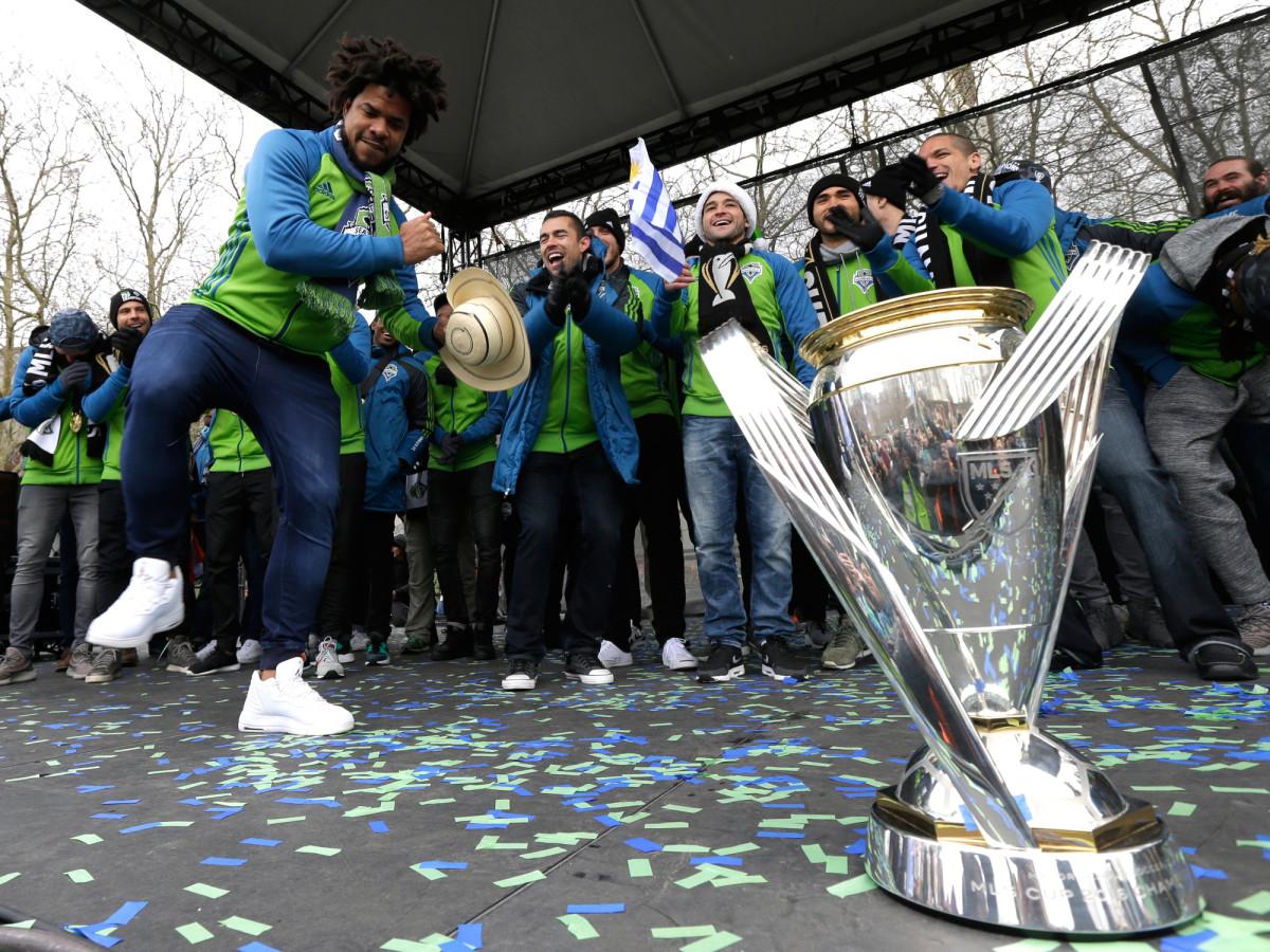 Roman-Torres-Sounders-Dance-MLS-Cup.jpg