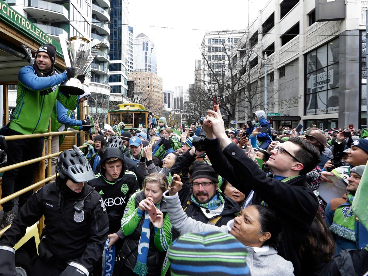 MLS-Cup-Trophy-Parade-Seattle.jpg