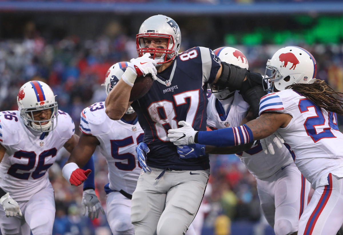 Rob Gronkowski's restructured contract could make him the NFL's highest paid tight end.