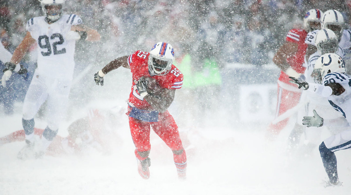 LeSean-McCoy-Snow.jpg
