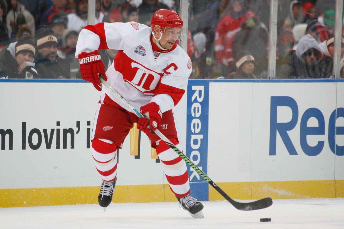 winter-classic-jerseys-red-wiongs-2009.jpg