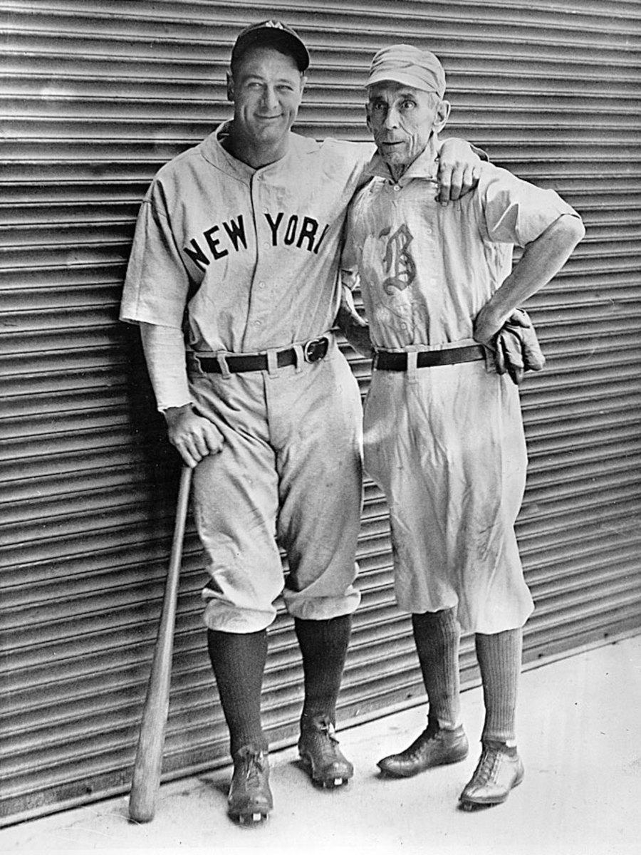 1932-Lou-Gehrig-Bobby-Lowe.jpg