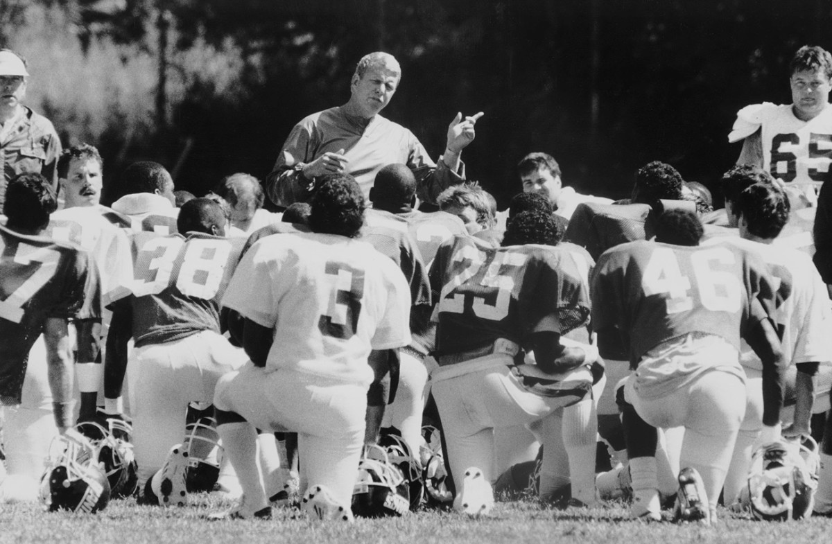 Bill Parcells in training camp, 1987.