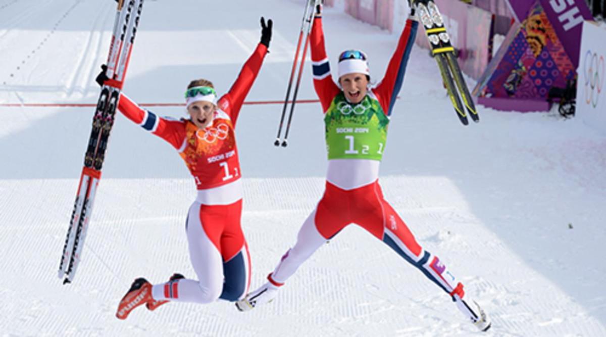 women-cross-country-skiing.jpg