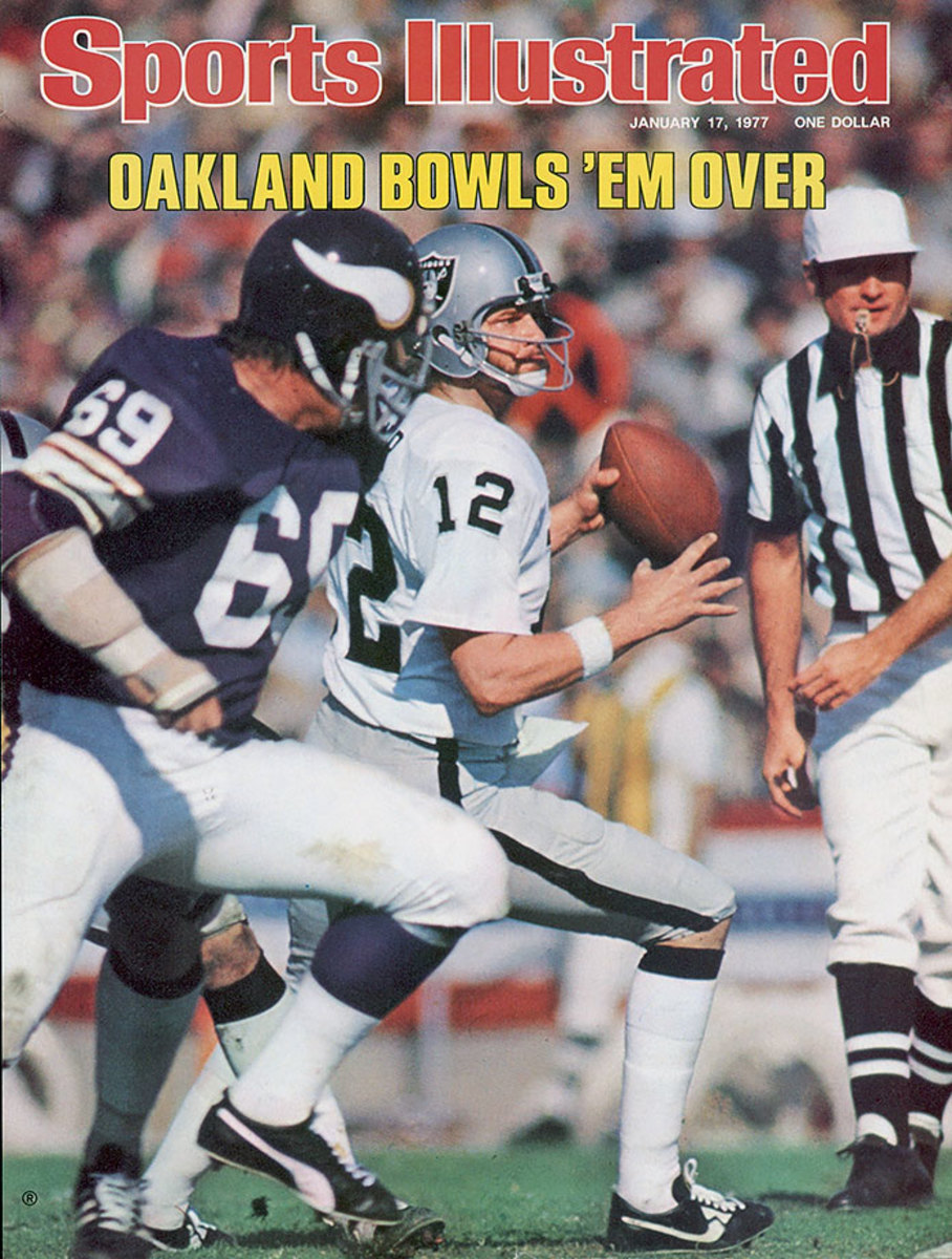 1977-0117-Super-Bowl-XI-Ken-Stabler-006273149.jpg
