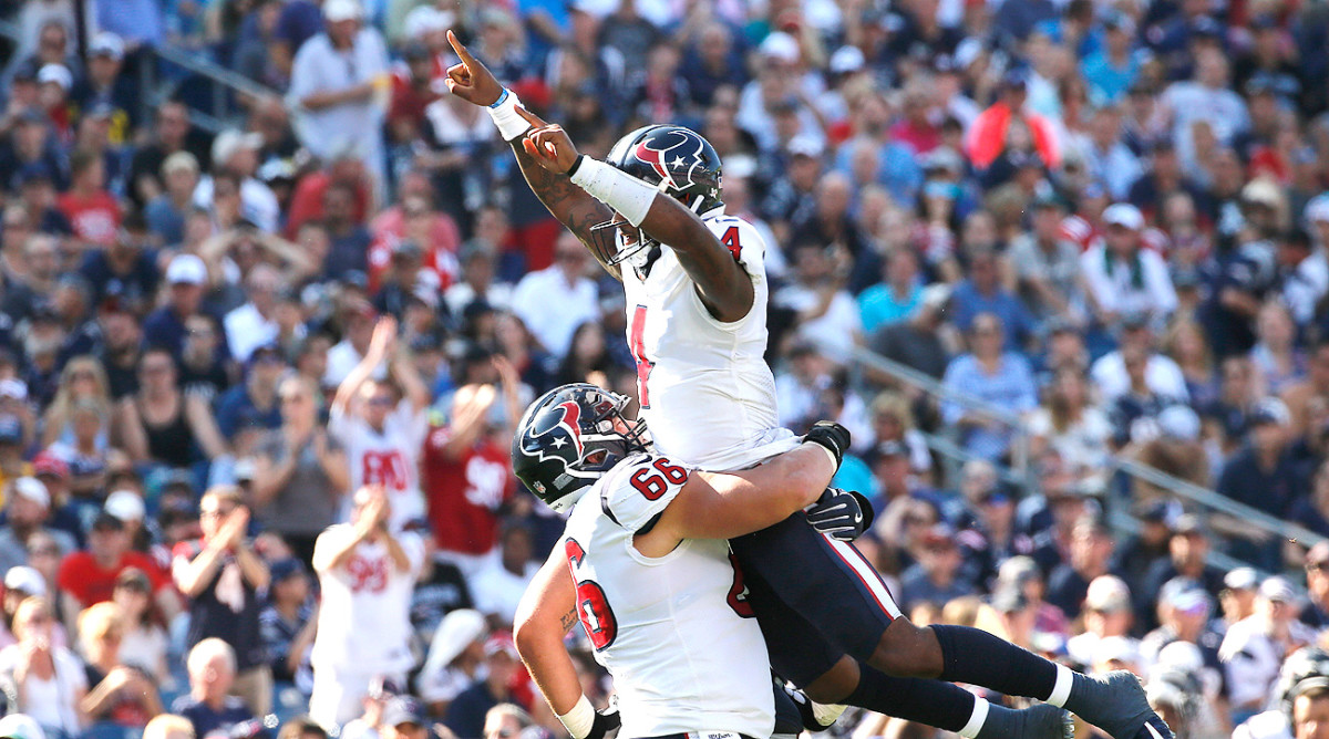 One week after torching the Patriots, Deshaun Watson is worth starting again in fantasy football leagues.