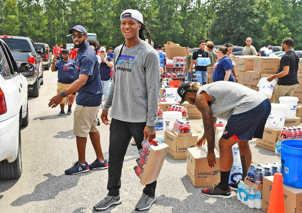 DeAndre Hopkins helping with relief efforts in Houston on Sunday.