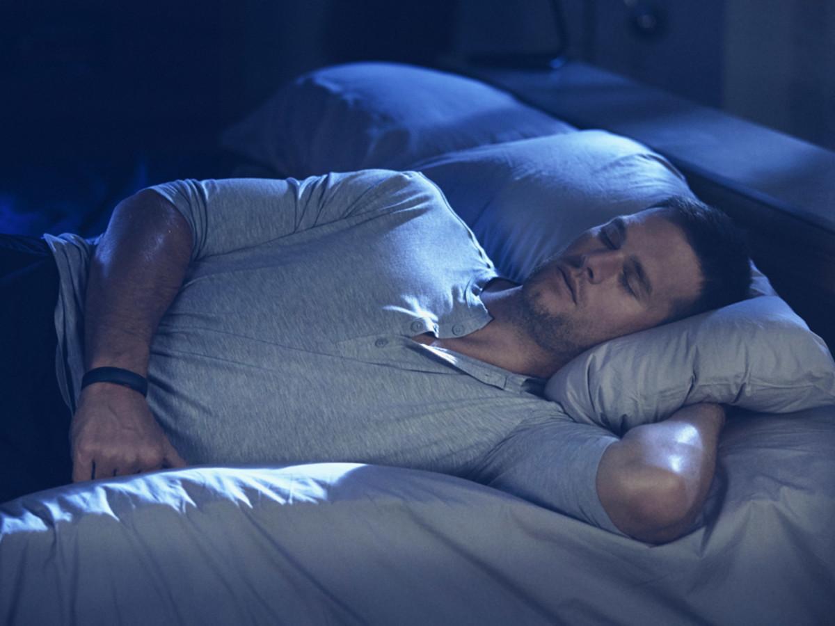 tom-brady-sleeping_0.jpg