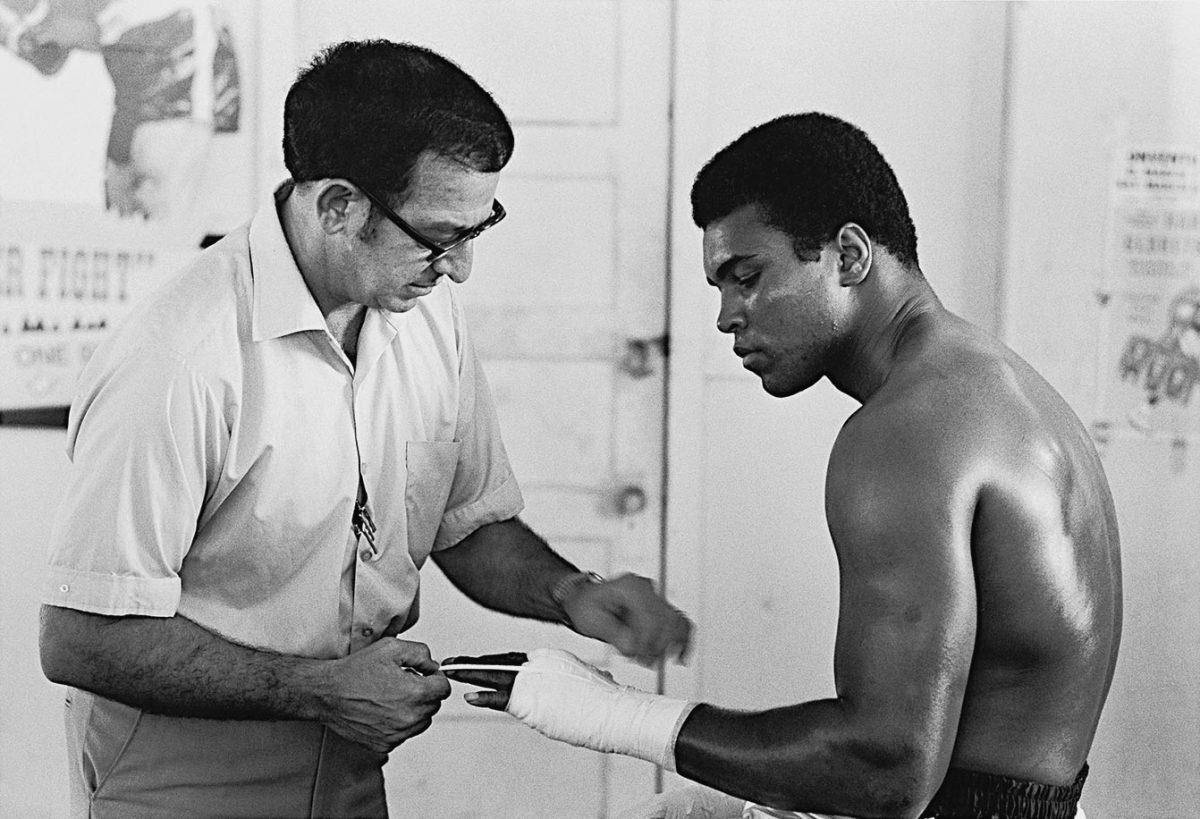 1970-1009-Muhammad-Ali-Angelo-Dundee-001312921.jpg