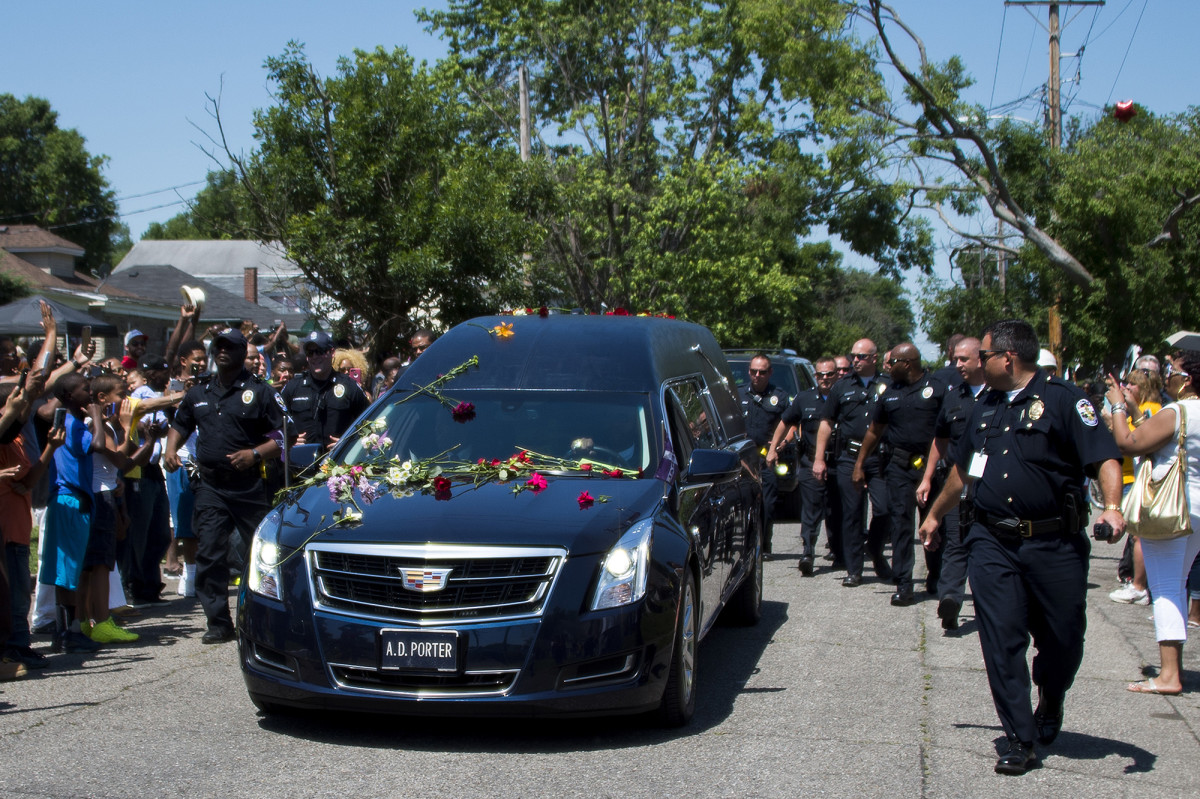 ali-funeral-cadillac-car_1.jpg