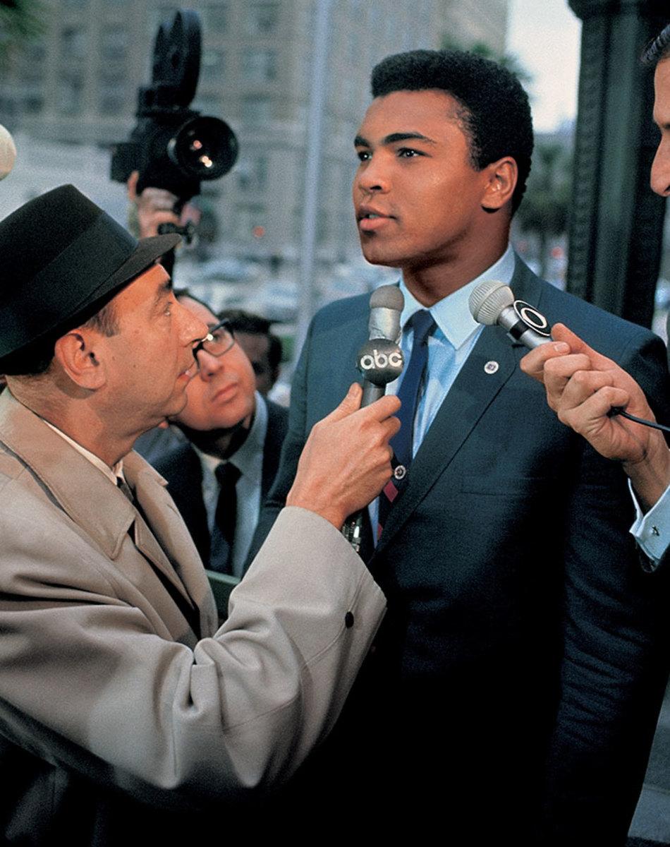 1967-0428-Muhammad-Ali-Howard-Cosell-017010649.jpg