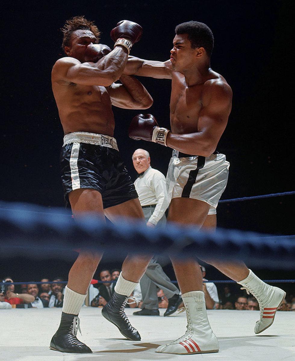 1966-1114-Muhammad-Ali-Cleveland-Williams-005889747.jpg