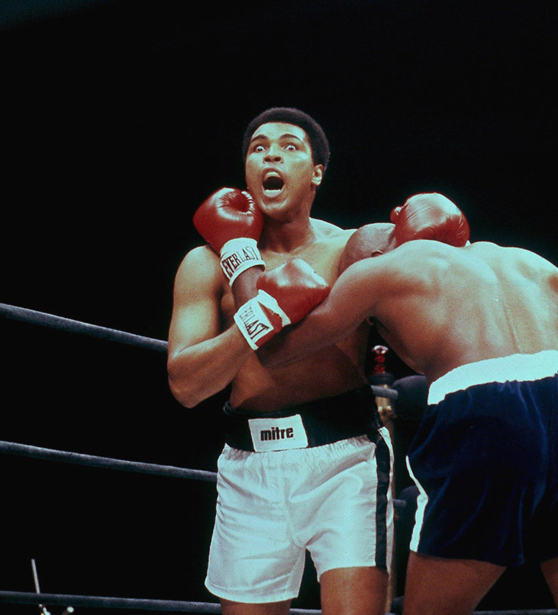 1977-Muhammad-Ali-Earnie-Shavers-017045690.jpg