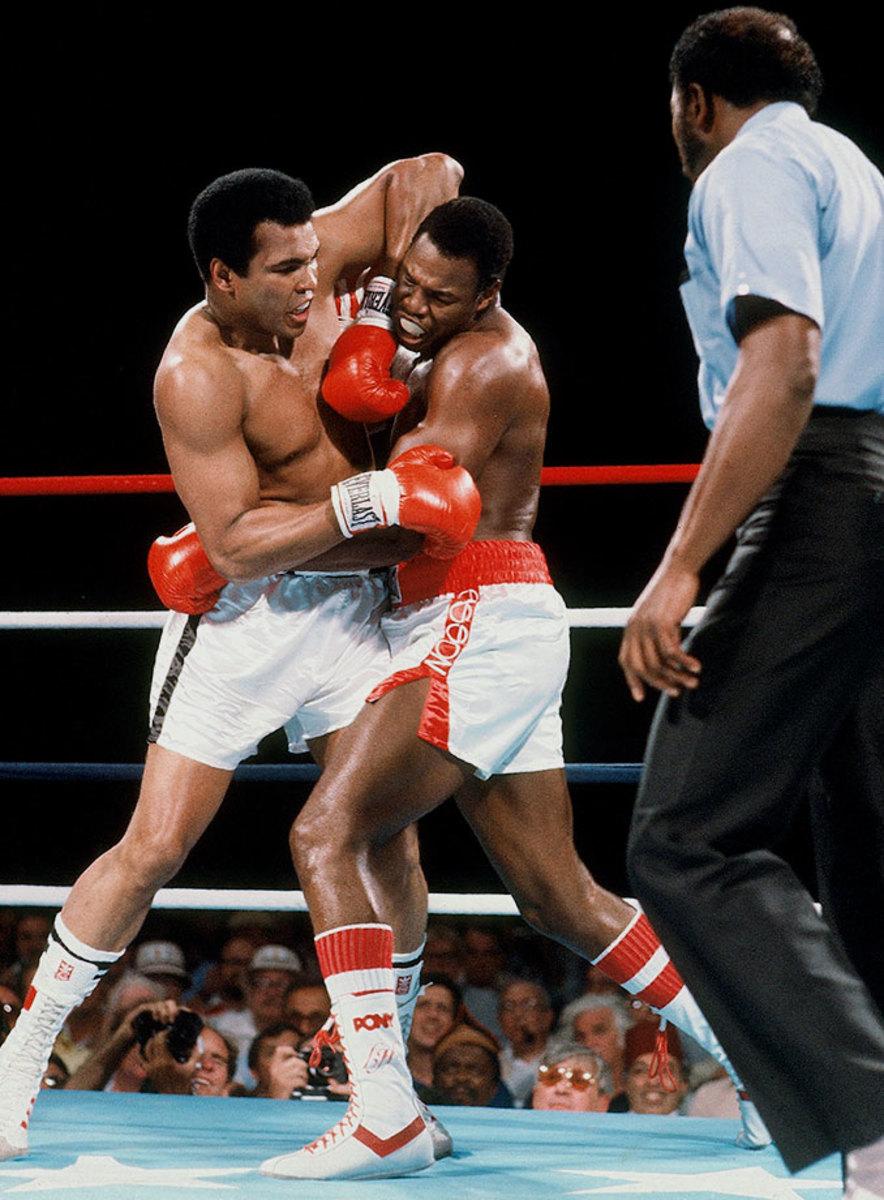 1980-Muhammad-Ali-Larry-Holmes-017042078.jpg