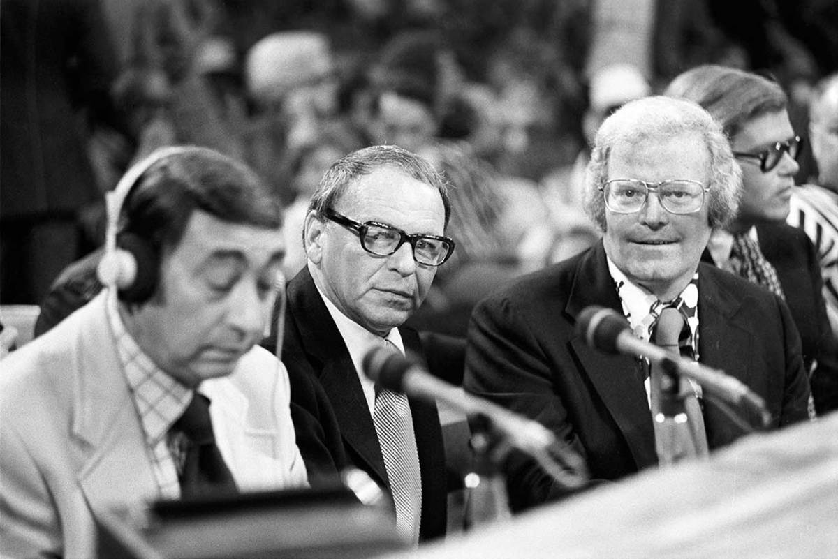 Howard Cosell, Frank Sinatra and Roone Arledge ringside at the Muhammad Ali-Ken Norton fight, 1973.