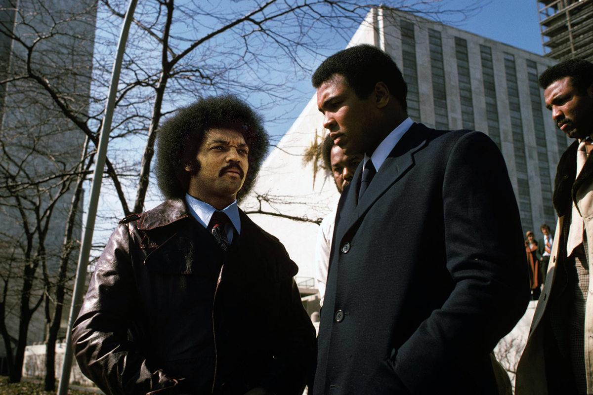 1975-Muhammad-Ali-Jesse-Jackson-015272932.jpg
