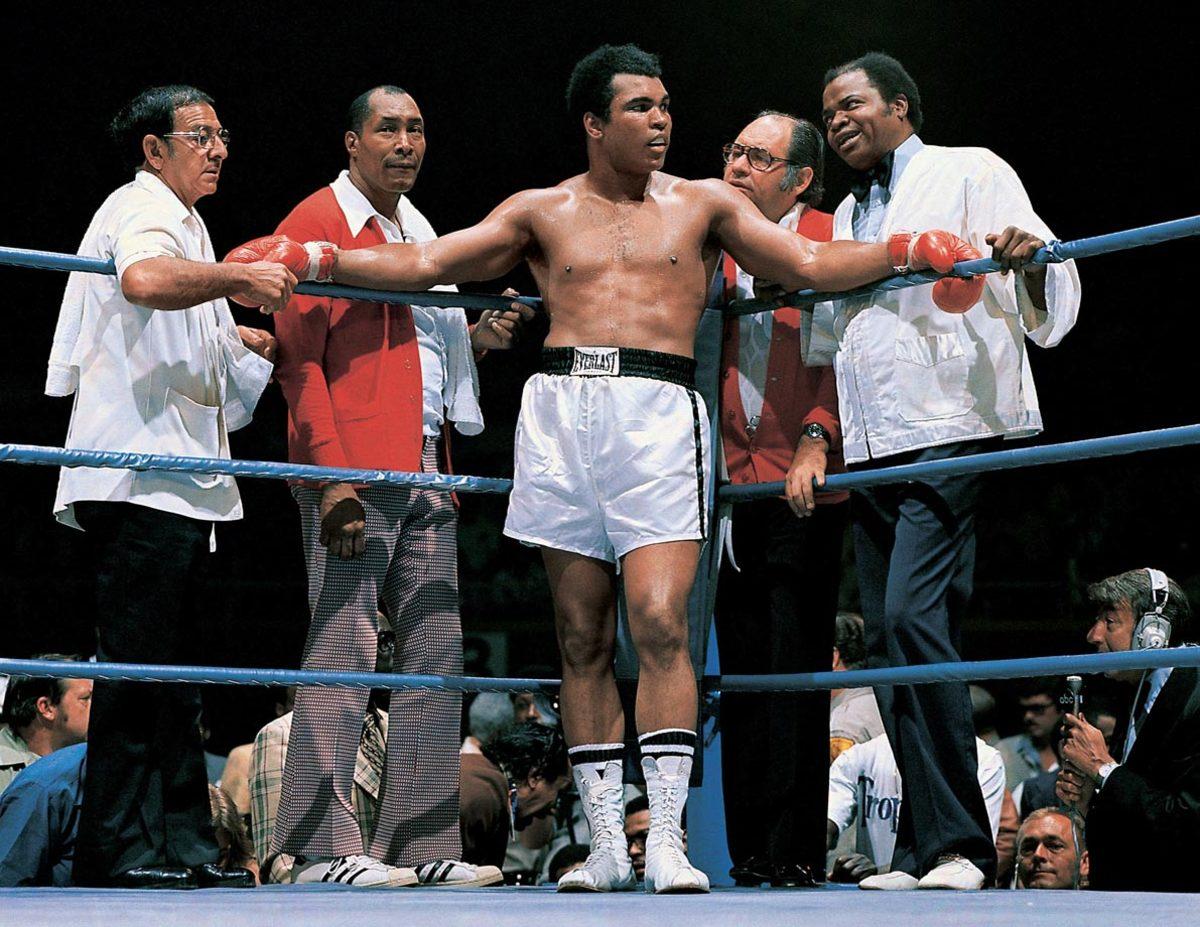 1975-Muhammad-Ali-Angelo-Dundee-Wali-Ferdie-Pacheco-Drew-Bundini-Brown-014473601.jpg
