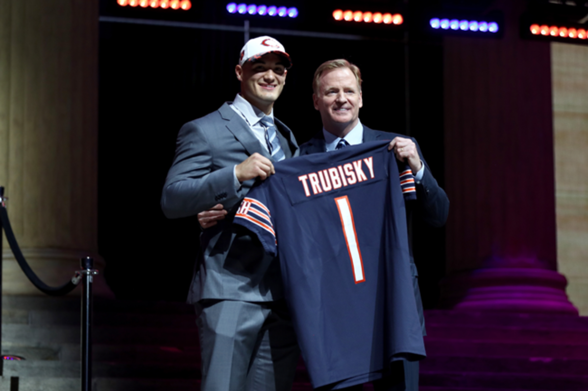 mitchell-trubisky-roger-goodell-650-433.png