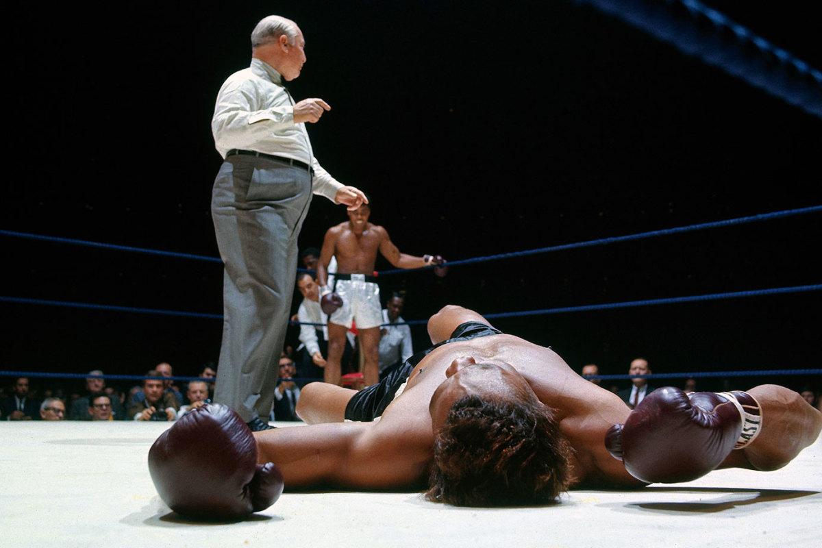 1966-1114-Muhammad-Ali-Cleveland-Williams-079008232.jpg