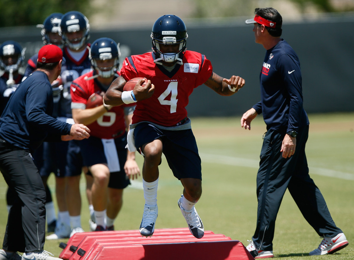 Deshaun Watson continues to make a positive impression on his Texans coaches and teammates.