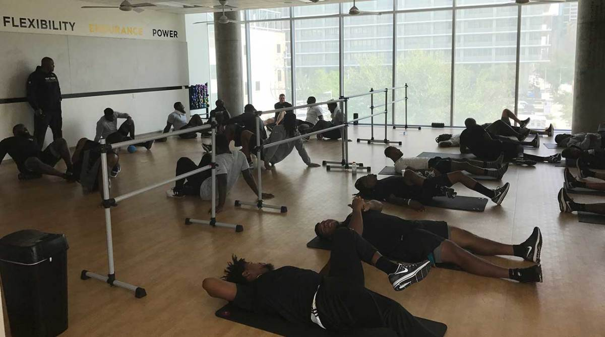 The Jags hold an impromptu workout in Houston on Monday.