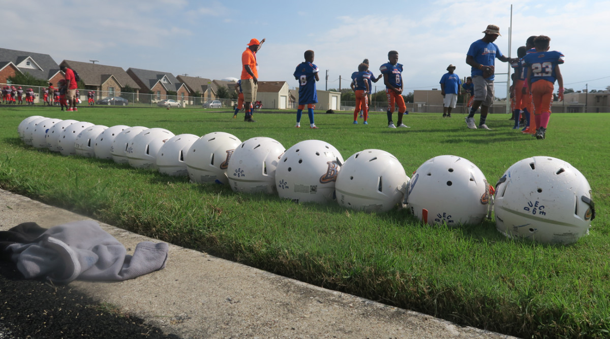 dallas-ballas-helmets.jpg