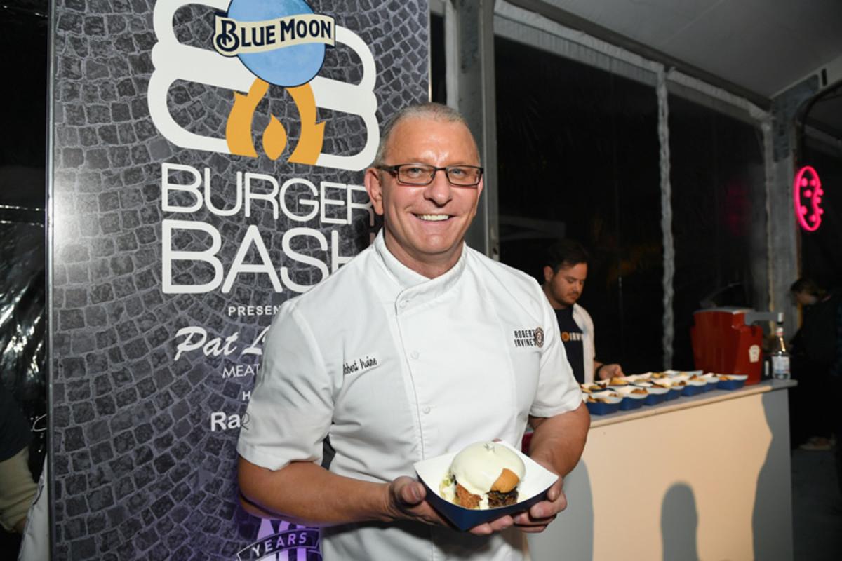 nycwff_burger-bash_robert-irvine.jpg