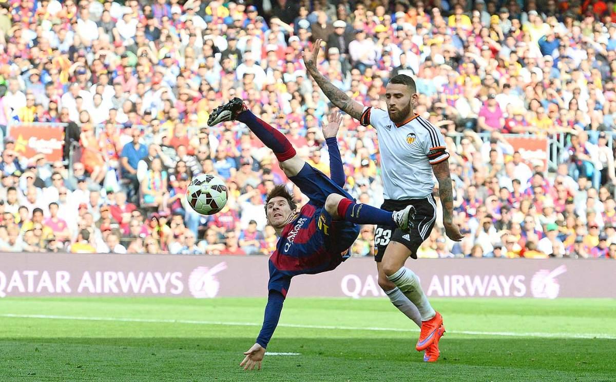 2015-0418-Lionel-Messi-Nicolas-Otamendi.jpg