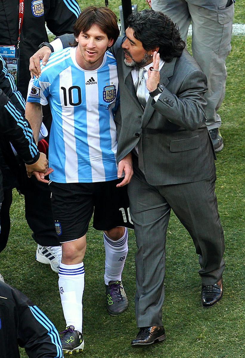 2010-0617-Lionel-Messi-Diego-Maradona.jpg