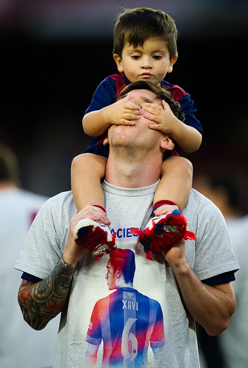 2015-0523-Lionel-Messi-son-Thiago.jpg