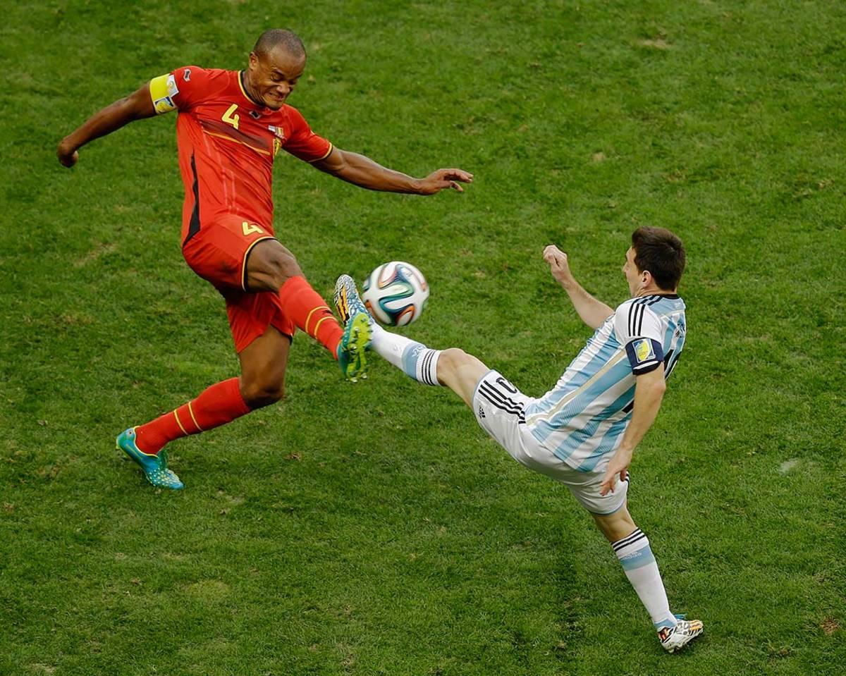 2014-0705-Vincent-Kompany-Lionel-Messi.jpg