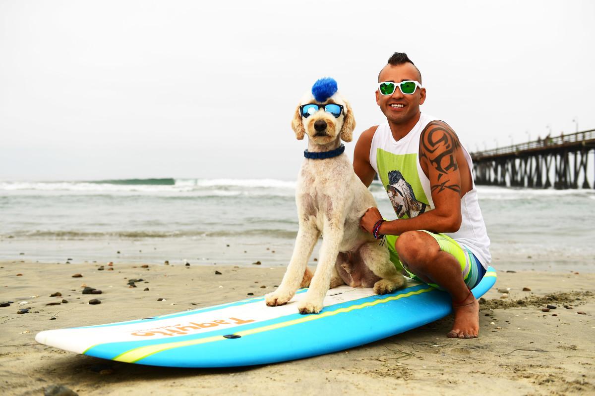 Surfing_Dogs_Gallery_026.jpg