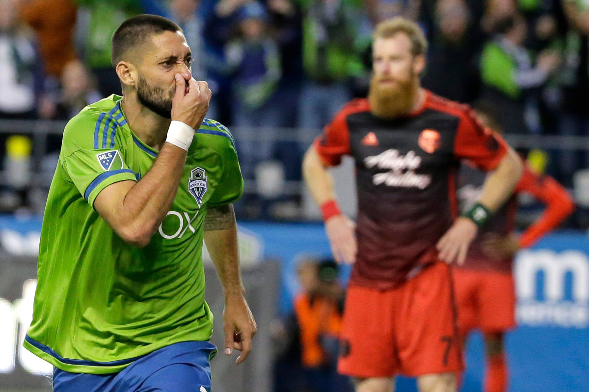 Sounders-Timbers-Rivalry-Dempsey.jpg