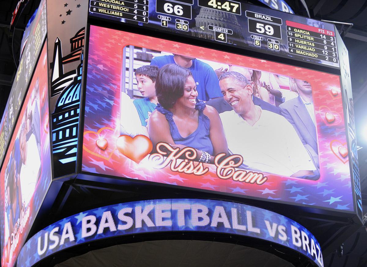 obama-usa-basketball-brazil.jpg