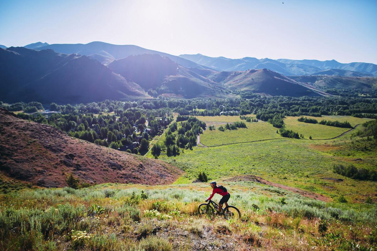 rebecca-rusch-mountain-bike.jpg