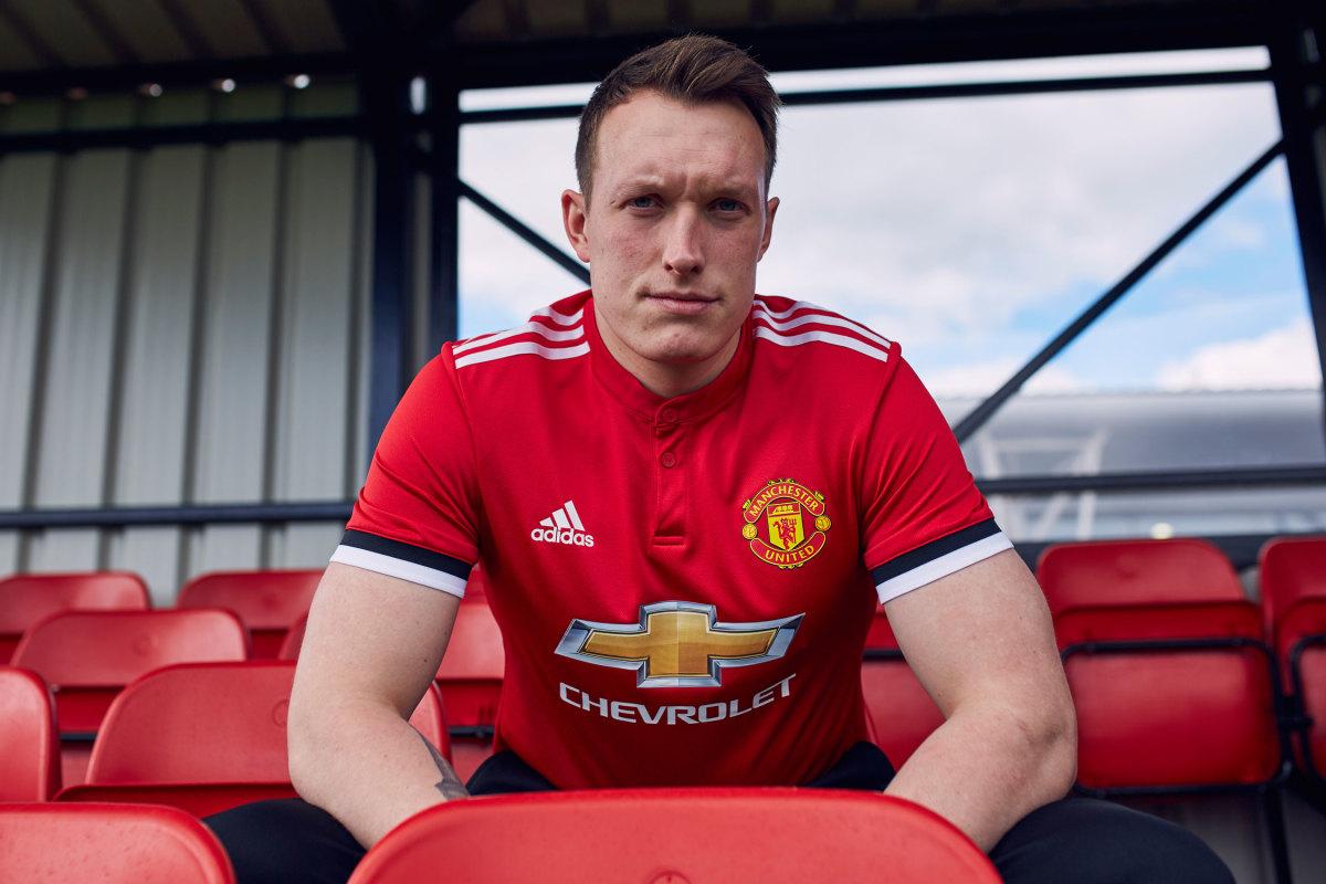 Man-United-Home-Phil-Jones.jpg